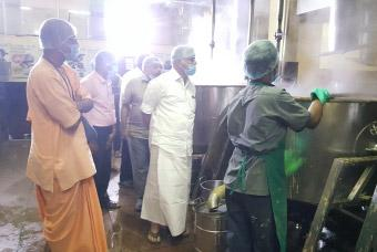 Puducherry education minister visits Vasanthapura kitchen
