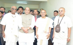 Sri Rajnath Singh, Minister of Home Affairs, sharing a candid moment with Madhu Pandit Dasa and Chanchalapathi Dasa