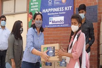 Mando Softtech has sponsored 1300 Happiness Kits for children in Delhi and Bengaluru