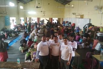Akshaya Patra volunteers at a relief camp
