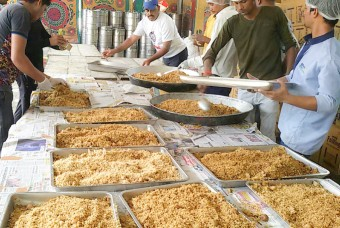 Veg pulao, peas pulao and masala rice is being served to the suppliers