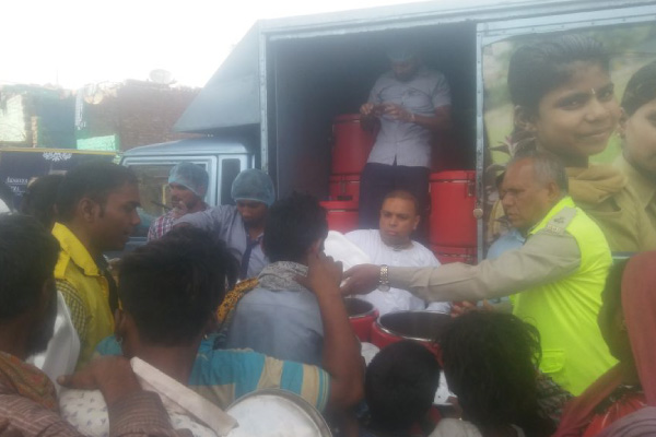 Akshaya Patra begins food relief to fire affected residents of Shahadra, New-Delhi