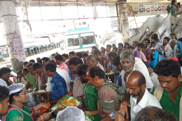Akshaya Patra provides relief in cyclone hit Andhra Pradesh