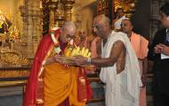 Dalai Lama welcomed by Temple President shri Madhu Pandit Dasa